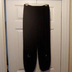 Artex Black Capris, new without tags